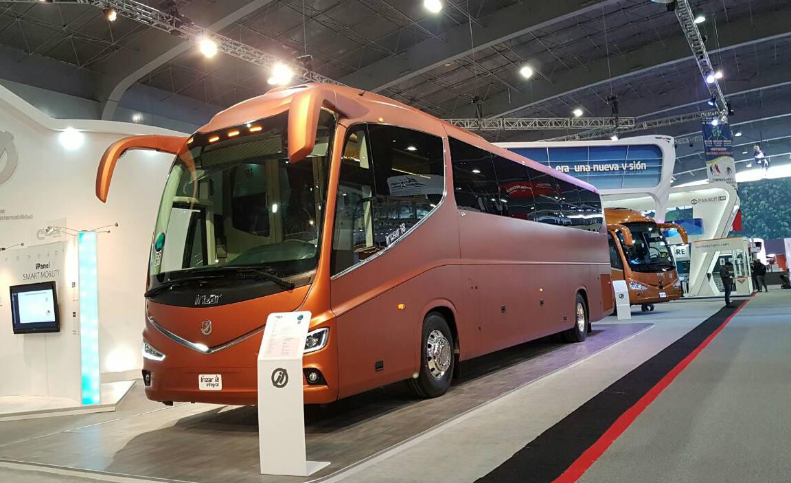irizar lanza al mercado mexicano tres versiones de su autobus  en expo foro  vision