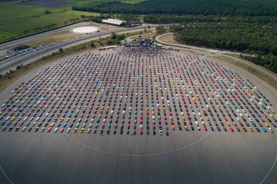 Ford vuelve a batir el record mundial del desfile más grande de Mustangs Visión Automotriz Magazine