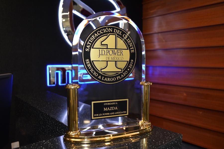 Mazda logró fascinar al cliente: Miguel Barbeyto Visión Automotriz Magazine reconocimiento