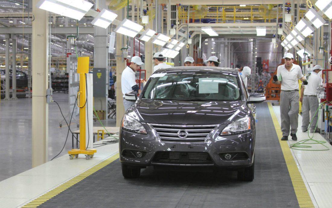 Exportación automotriz de México baja 0.8% en agosto